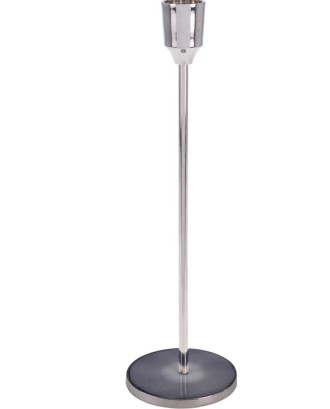 Sidabrinė metalinė žvakidė su šviesiai pilku pagrindu 25 cm